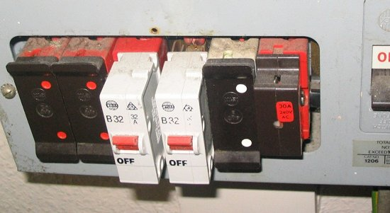 UK_fusebox2 mcb for old fuse box diagram wiring diagrams for diy car repairs old fashioned fuse boxes at soozxer.org