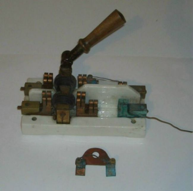 old french knife switch